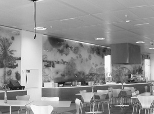 Glaswandgestaltung für das Head Office des petrochemischen Konzerns SABIC in Sittard, NL 2006 Foliendruck auf Diamantglasscheiben, LED-Beleuchtung 3 x 20 m