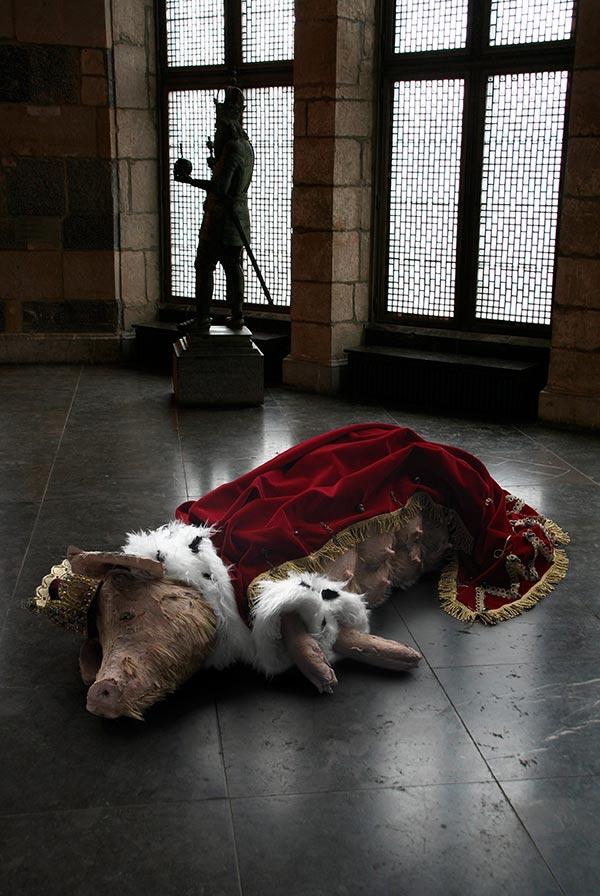 Schwein im Rathaus